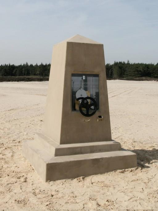 Monument de souvenir, in situ, Hulsthorsterzand, Veluwe, 2010, mechanism